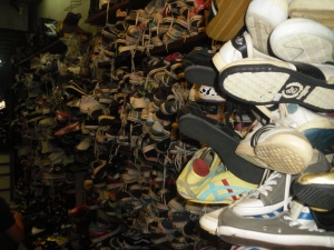 2nd hand sneakers galore